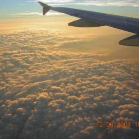 v oblacite