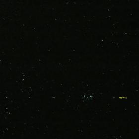 Кометата C/2004 Q2 Machholz е до купа Плеяди.