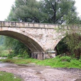 мостът на Колю Фичето-Вонеща вода