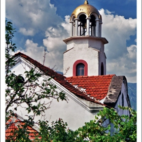 Църквата в Девин