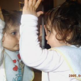 паяк на огледало;)