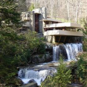 Falling Water - Frank Lloyd Wright