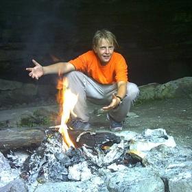 с норвежец на пещера