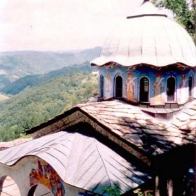 Църквата на Соколски манастир