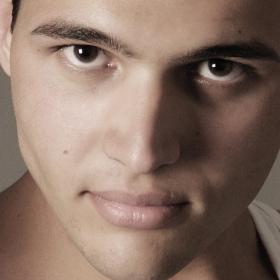model Daniel Slavov agencia NEW VISION