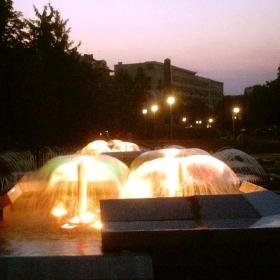 І.Нежна е нощта - Плевен, фонтаните