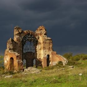 Червената църква при Перущица