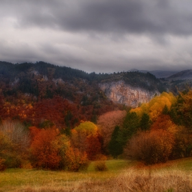 Есен край Триград