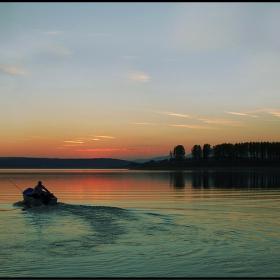 ...............Рибарят.....и.....нощта...............