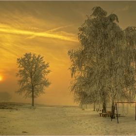 Вечер скрежна....и мъглива тишина...