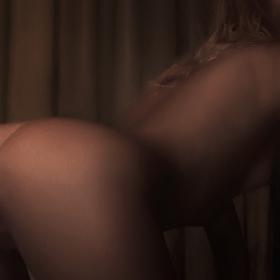 разликата между порнографията и еротиката е в осветлението