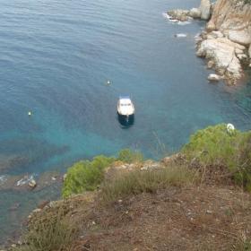 Просто яхтичка в заливче на Средиземно море