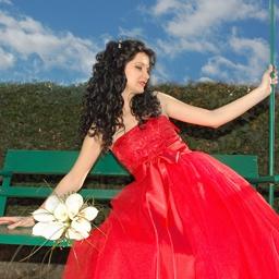 булката с червената рокля