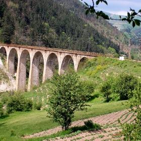 Красивия мост на град Клисура преди тунела Козница