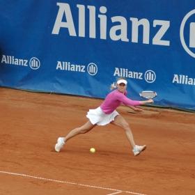 Виктория Кутузова загуби полуфиналния тенис мач от Цветана Пиронкова