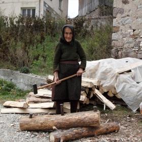 Цепене на дърва