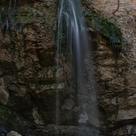 водопадът Куза Скока през пролетта