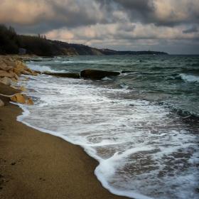 ...там...на брега на морето...