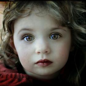 Едно момиче на две години