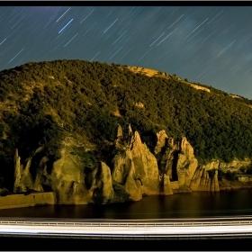 Чудните Скали в полунощ