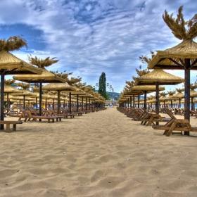 Пуст плаж