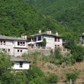 Стари български къщи в село Косово намиращо се в централните Родопи.