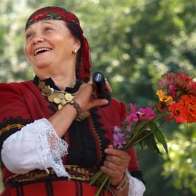 пее Валя Балканска