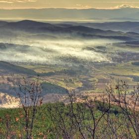 Панагюрище с мъгла