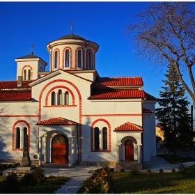 """храмът """"Св. Атанасий"""""""