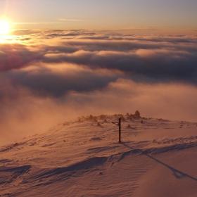 И докато сняг затрупваше цяла България, ето как изглеждаше залеза от вр.Мусала