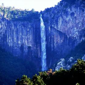 Скакля над Враца-Голямата вода 7.04.2005г.