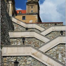 Стълбите към замъка