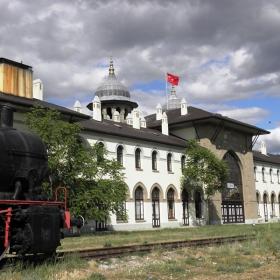 Старата гара на Одрин по време на Балканската война,сега част от Тракийския университет.
