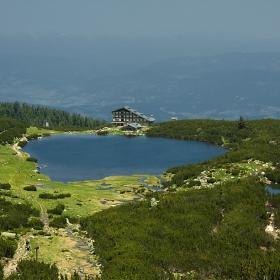 Безбожкото езеро
