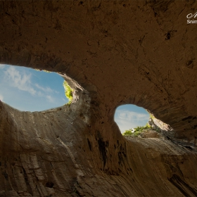 Очите на Бога - Проходна пещера