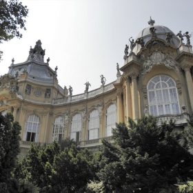 Средновековен замък в Будапеща.