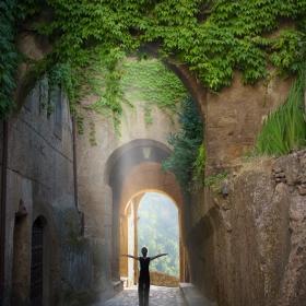 Ели и хилядолетната крепост