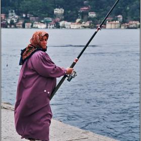 Ще имам ли късмет да ми клъвне по-голяма риба ...