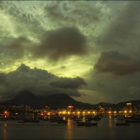 Залез над Рио...
