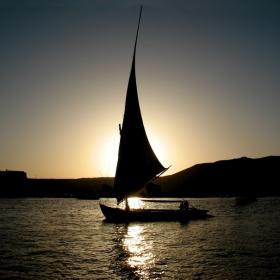Лодка по Нил