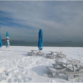 Сняг на ...  плажа