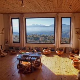 С такава гледка от прозореца ... домът ти Галерия се нарича.