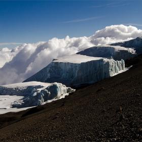 От върха на  Mt. KILIMANJARO  AFRIKA ... сам на върха...вр. Ухуро 5895м.....8