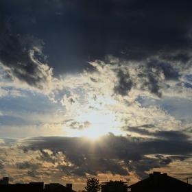 Всеки има право да погледне към слънцето !