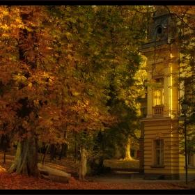 В меката прегръдка на есента