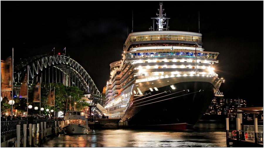Queen Elizabeth в Сидни