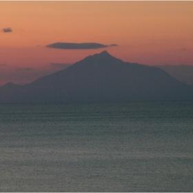 Атон, погледнат от остров Лимнос