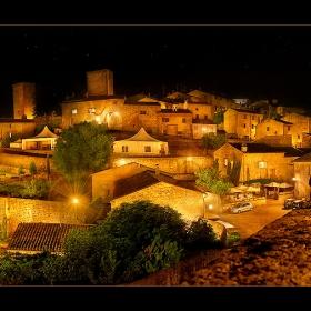 Идеи в нощната фотография (панорама от 2 хоризонтални кадъра)