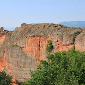 Приказка от скалите:Динозавъра