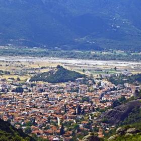 Каламбака, поречието на река Penaeus и склоновете на планината Рind